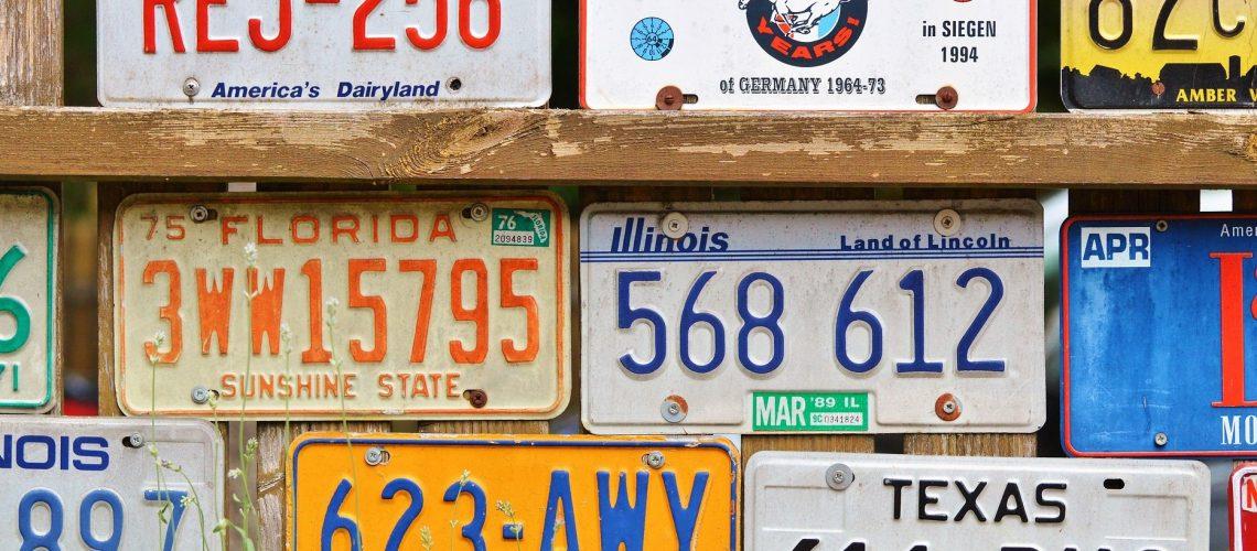 Quel site est le moins cher pour acheter des plaques d'immatriculation ?